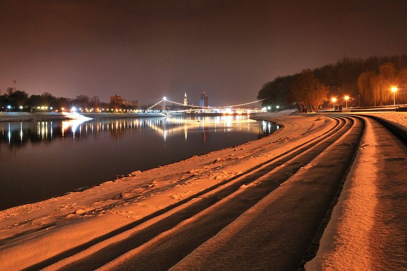 Plaža prema gradu  Foto: [b]Alen Večanin[/b]  Ključne riječi: plaza snijeg zima