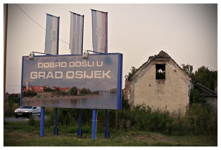 Reprezentativna dobrodošlica  Foto: [url=http://www.domagojs.deviantart.com/]Domagoj Sajter[/url]  Ključne riječi: reprezentativna dobrodoslica