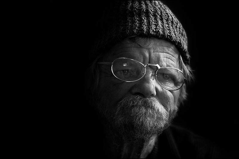 Težina života  Foto: [b]Samir Kurtagić[/b]  Ključne riječi: tezina-zivota u-prolazu