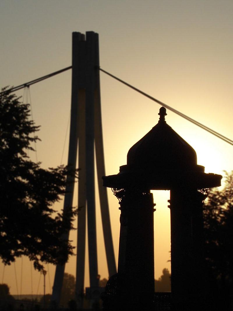 Stari Zdenac  foto: [b]Aleksandar Sarkanjac[/b]  Ključne riječi: tdenac park most zalazak sunce