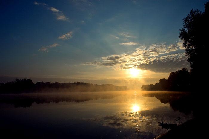 Na Dravi  Foto: Ante Delač  Ključne riječi: drava zora sunce