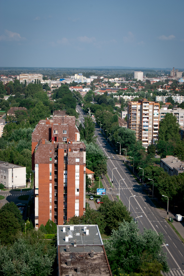 Cityscape  Vukovarska ulica, sa Eurodoma  foto: [b]Sebastijan Dumančić[/b]  Ključne riječi: vukovarska eurodom osijek