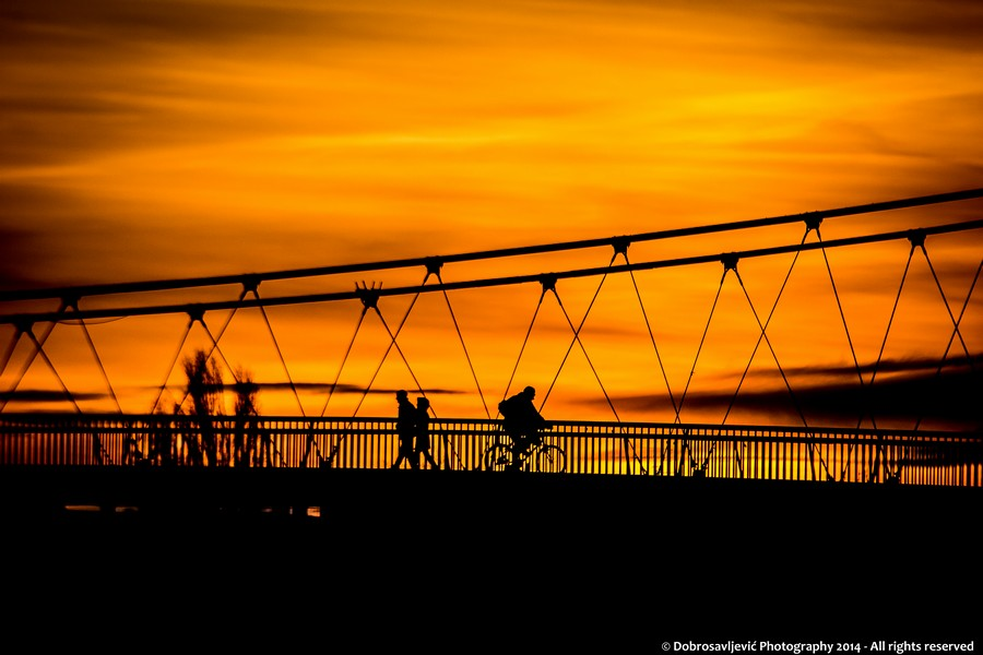 Foto: Daniel Dobrosavljević  Ključne riječi: pjesacki-most most