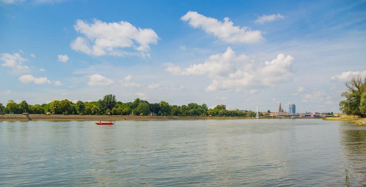 Čamac na Dravi  Foto: Josip Stević  Ključne riječi: Camac Drava Priroda
