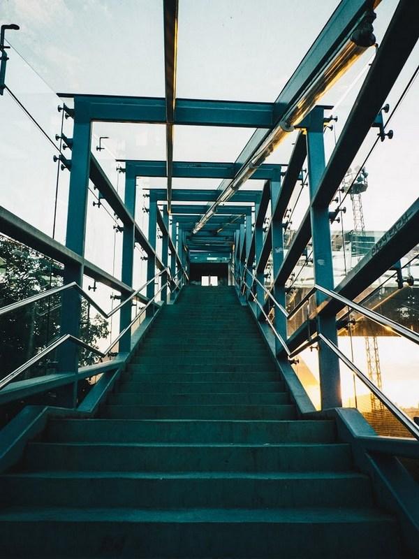 Na putu prema gore  Foto: Marko Pavičić  Ključne riječi: Stepenice Nebo Put
