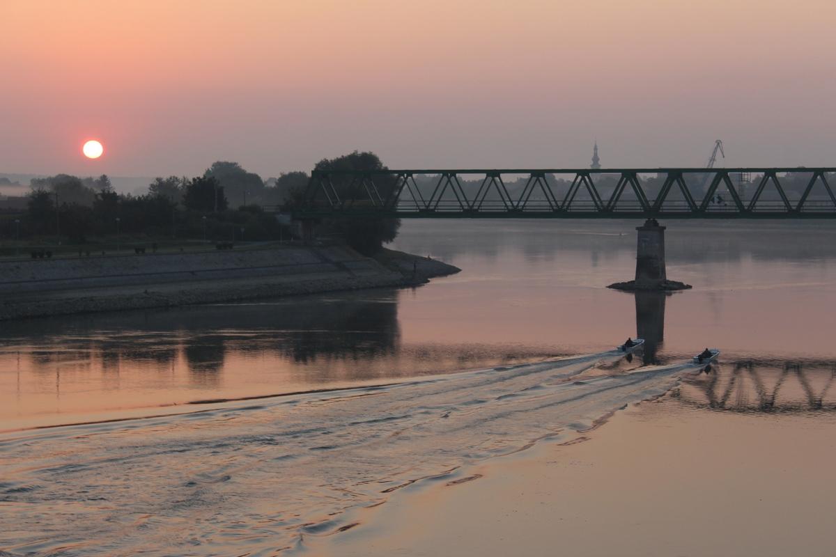 Dobro jutro!  Foto: Andrea Ilakovac  Ključne riječi: Budjenje Most Priroda Drava