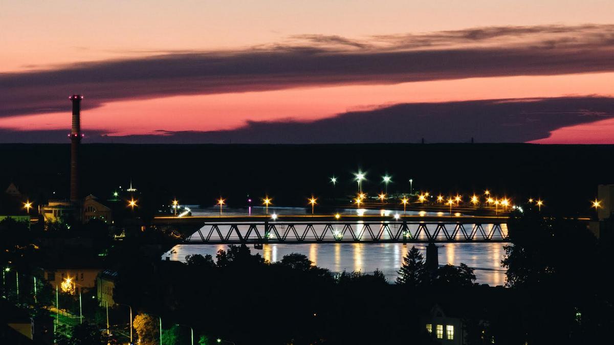 Noć u gradu  Foto: Marko Pavičić  Ključne riječi: Noc Nebo Drava Most