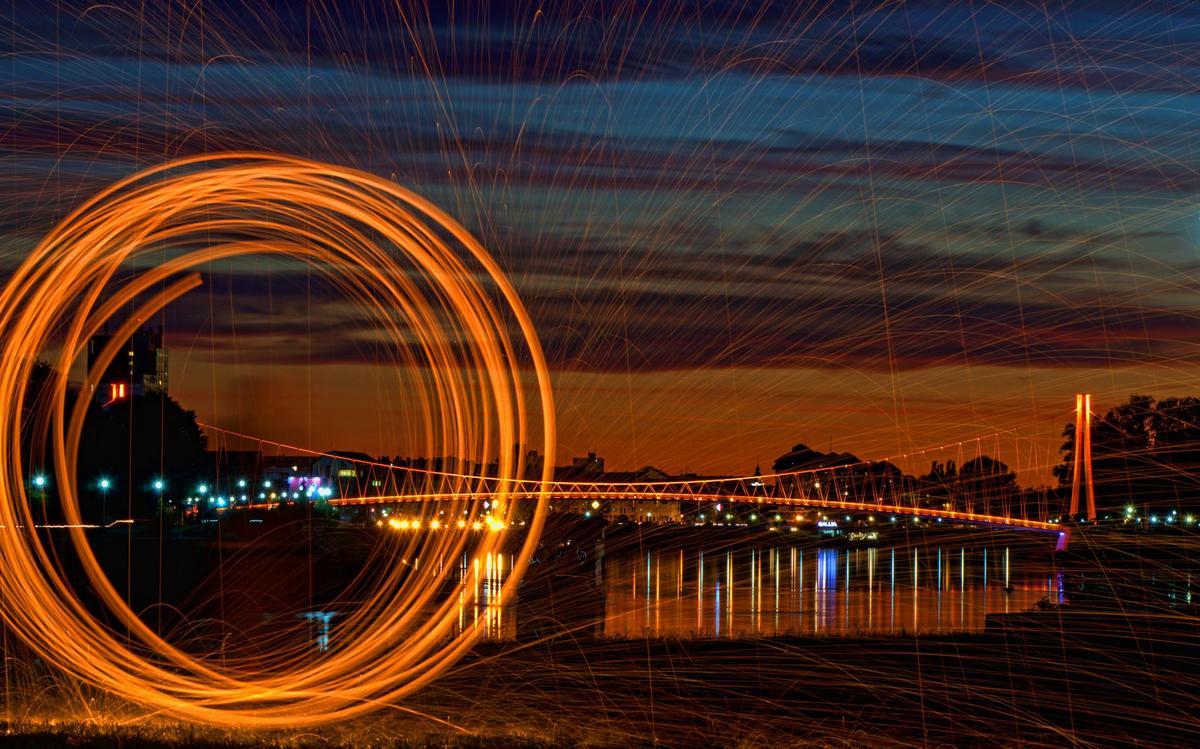 Zlatni most  Foto: Marko  Ključne riječi: Most Noc Drava