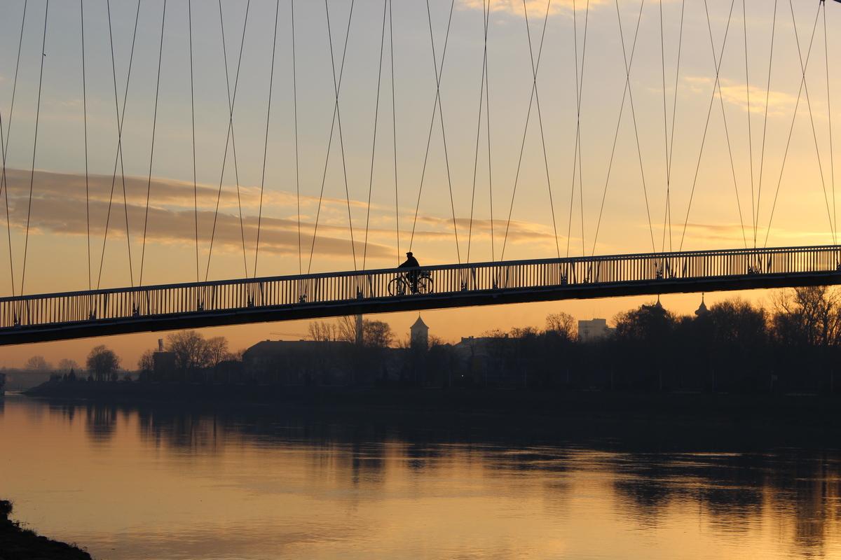 Na mostu  Foto: Hrvoje Rikert  Ključne riječi: Most Drava Priroda