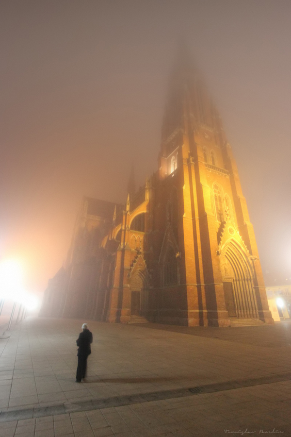 Maglovito  Foto: Tomislav Pavelić  Ključne riječi: Magla Priroda Konkatedrala