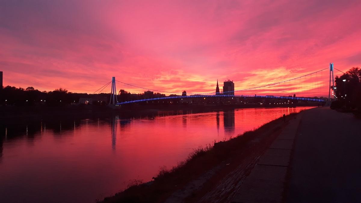 Crveni Osijek  Foto: Nikolina Cader  Ključne riječi: Drava Zalazak Priroda