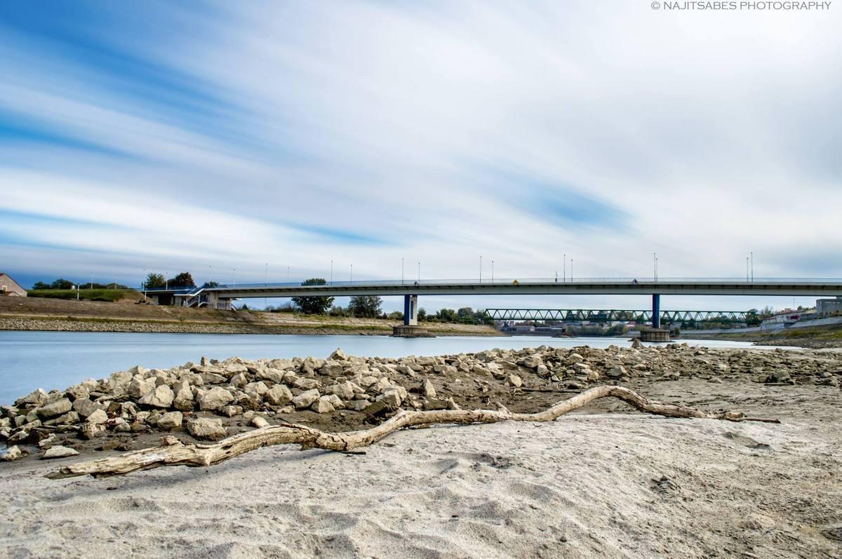 Drava  Foto: Sebastijan Kovač  Ključne riječi: Drava Priroda Kamenje Pijesak