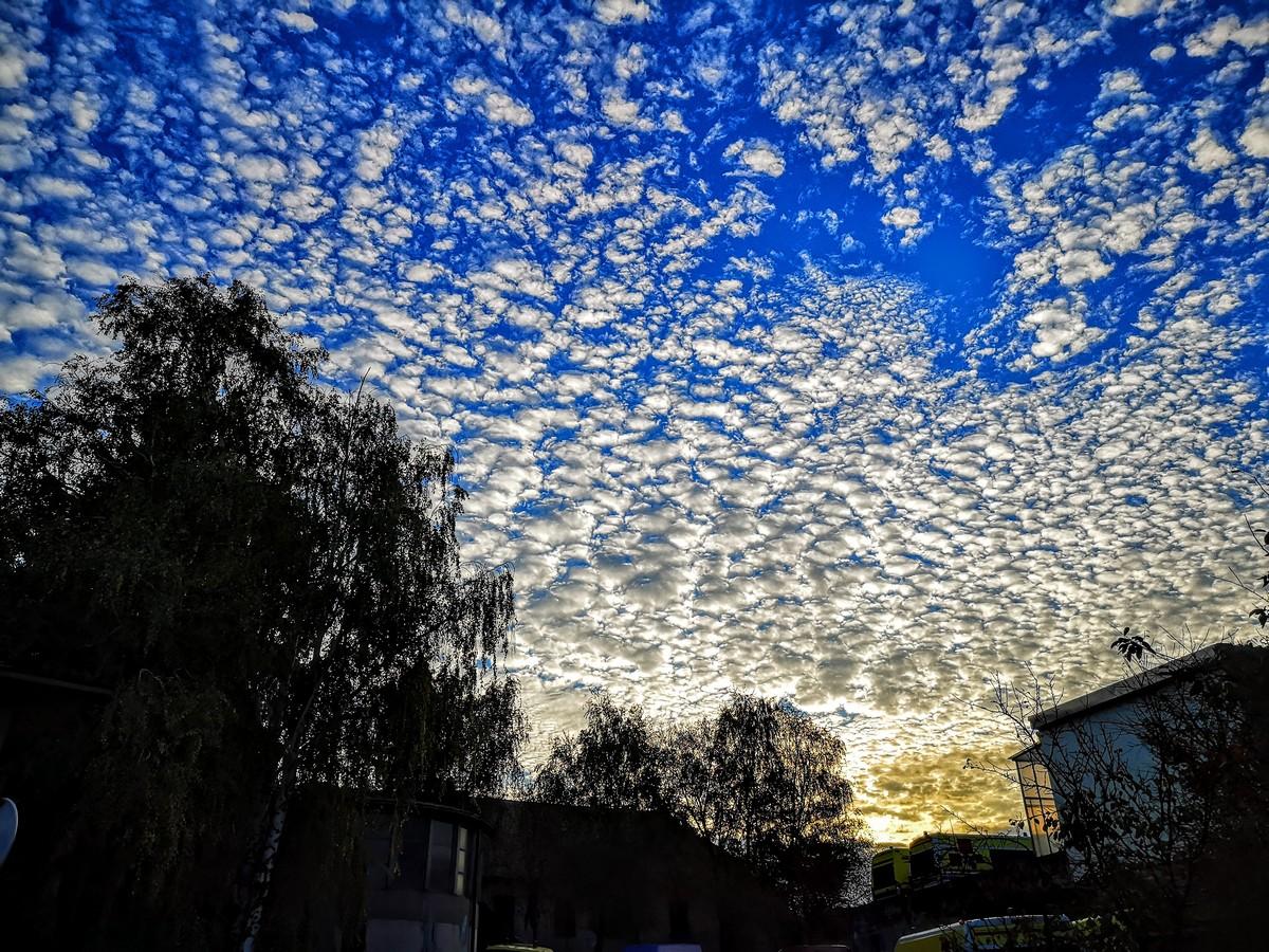 Oblaci na nebu  Foto: Jakov Matović  Ključne riječi: Oblaci Nebo Priroda