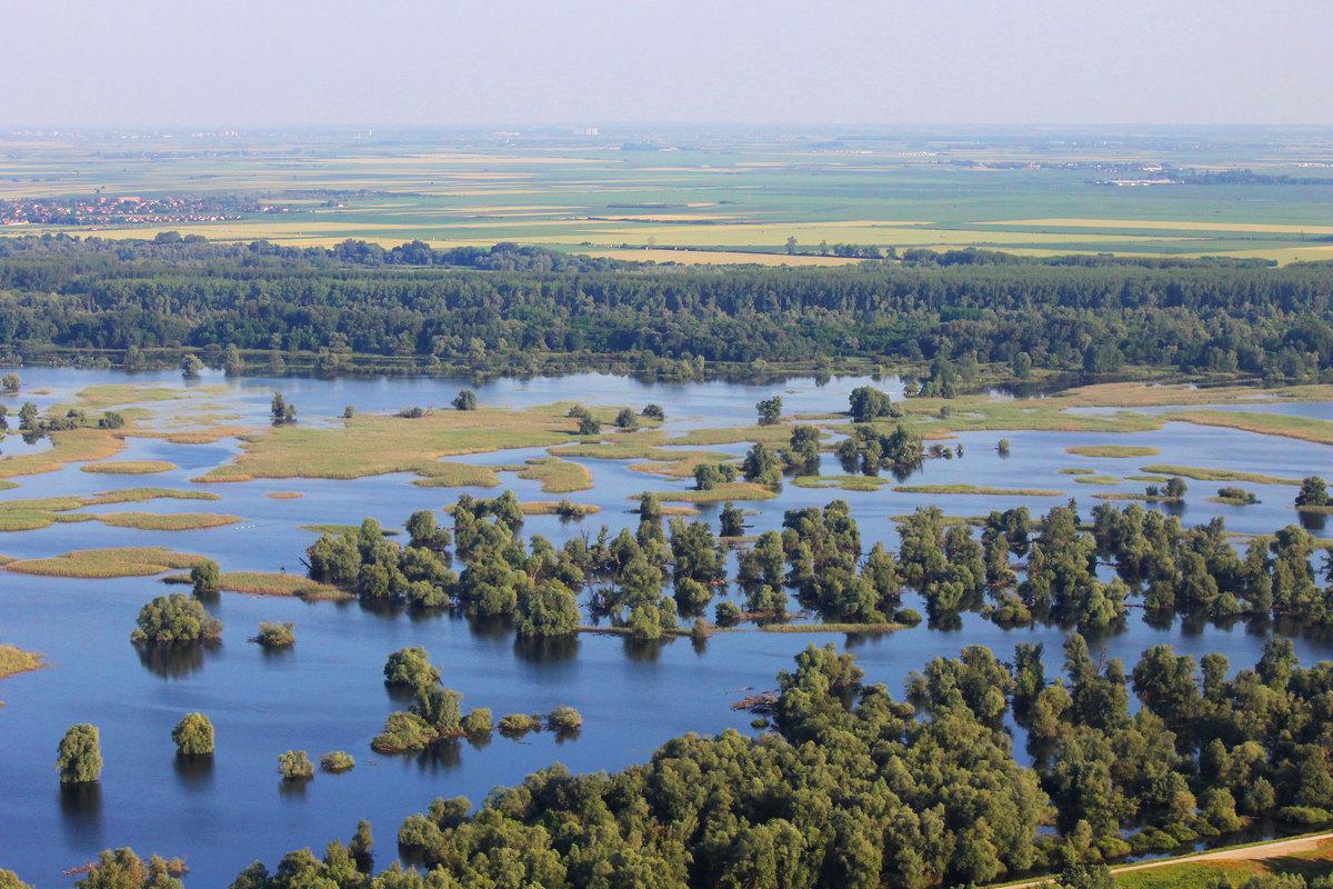 Priroda  Foto: Matko Florijančić  Ključne riječi: Voda Zelenilo Nebo Priroda