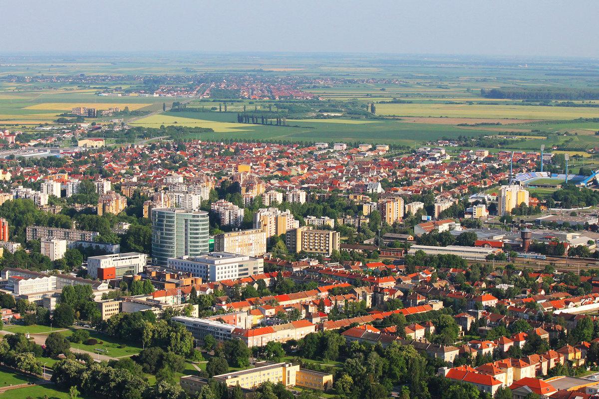 Crveni krovovi  Foto: Matko Florijančić  Ključne riječi: Grad Kuce Zgrade Eurodom Zelenilo