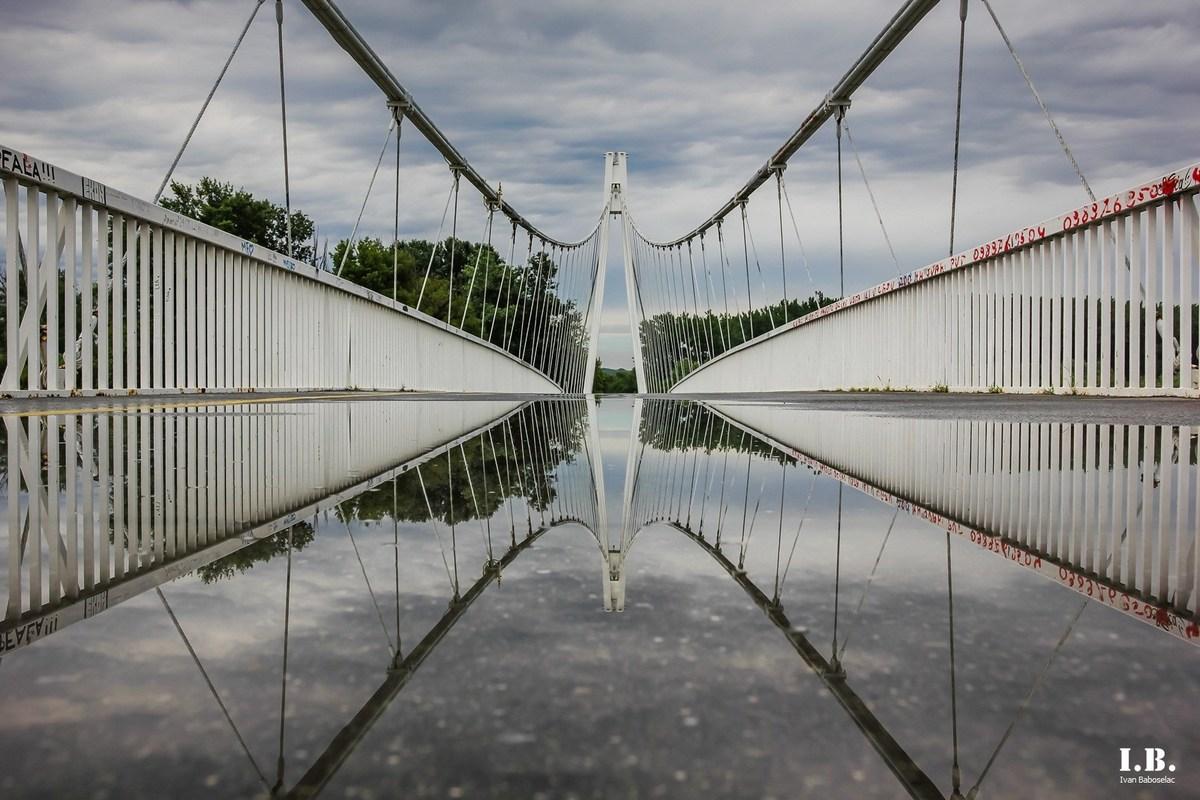 Kišno vrijeme  Foto: Ivan Baboselac  Ključne riječi: Kisa Voda Most Vrijeme