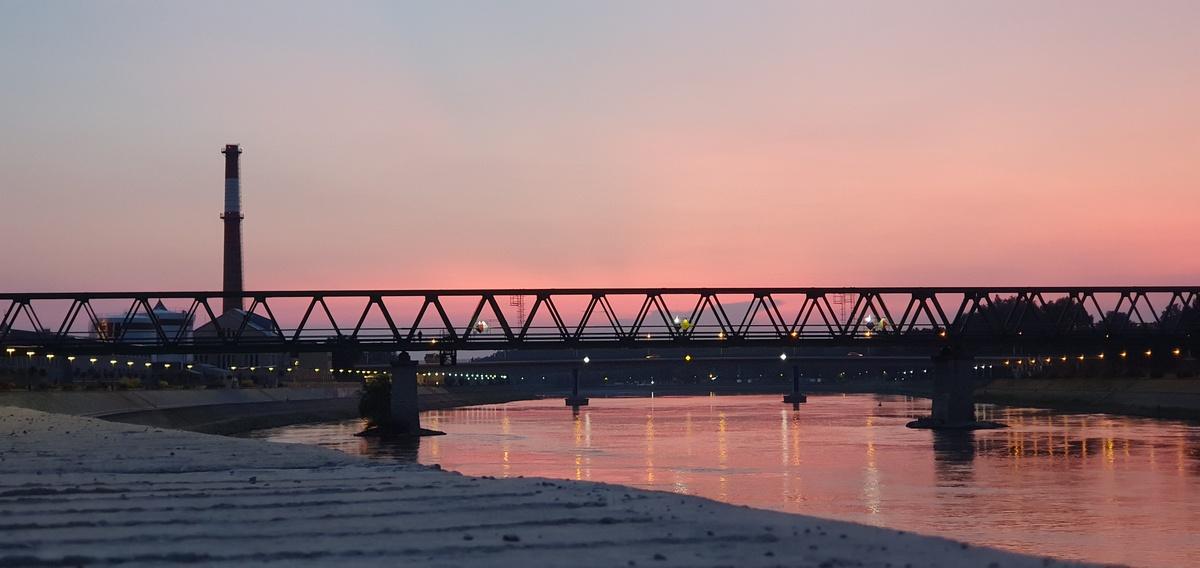 Željeznički most  Foto: Mateo Babaja  Ključne riječi: Most Drava Zalazak
