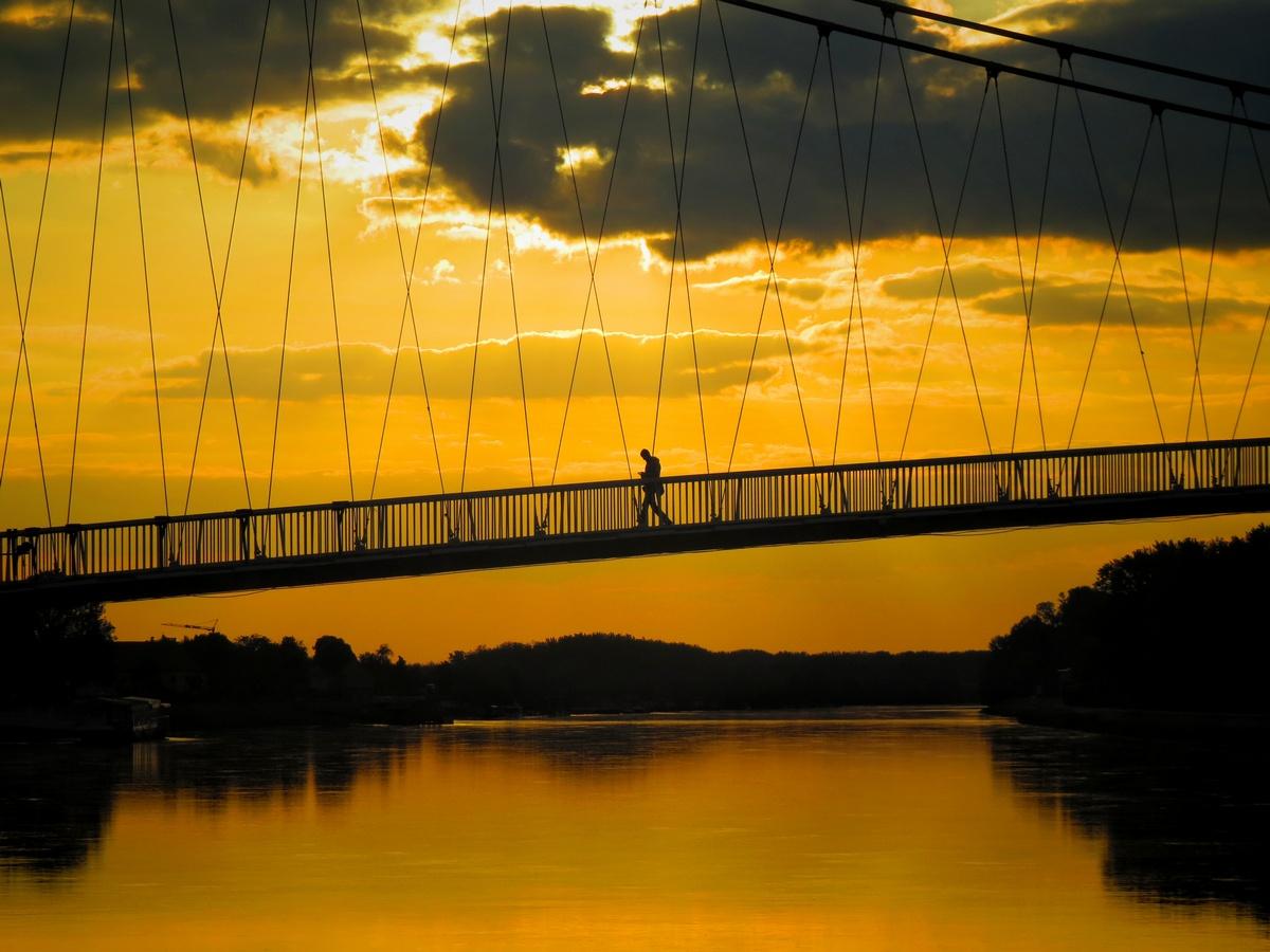 Na mostu  Foto: Josipa Henizelman  Ključne riječi: Most Drava Pogled