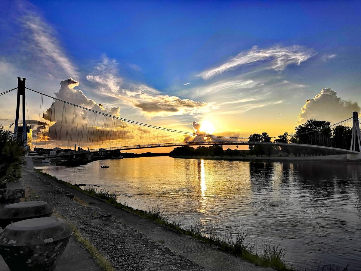 Zalazak  Foto: Mirta Salaj  Ključne riječi: Most Drava Pogled Priroda