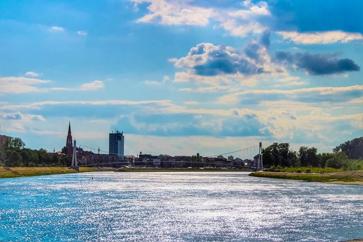 Grad Osijek  Foto: Dubravka Krmpota  Ključne riječi: Drava Most Priroda