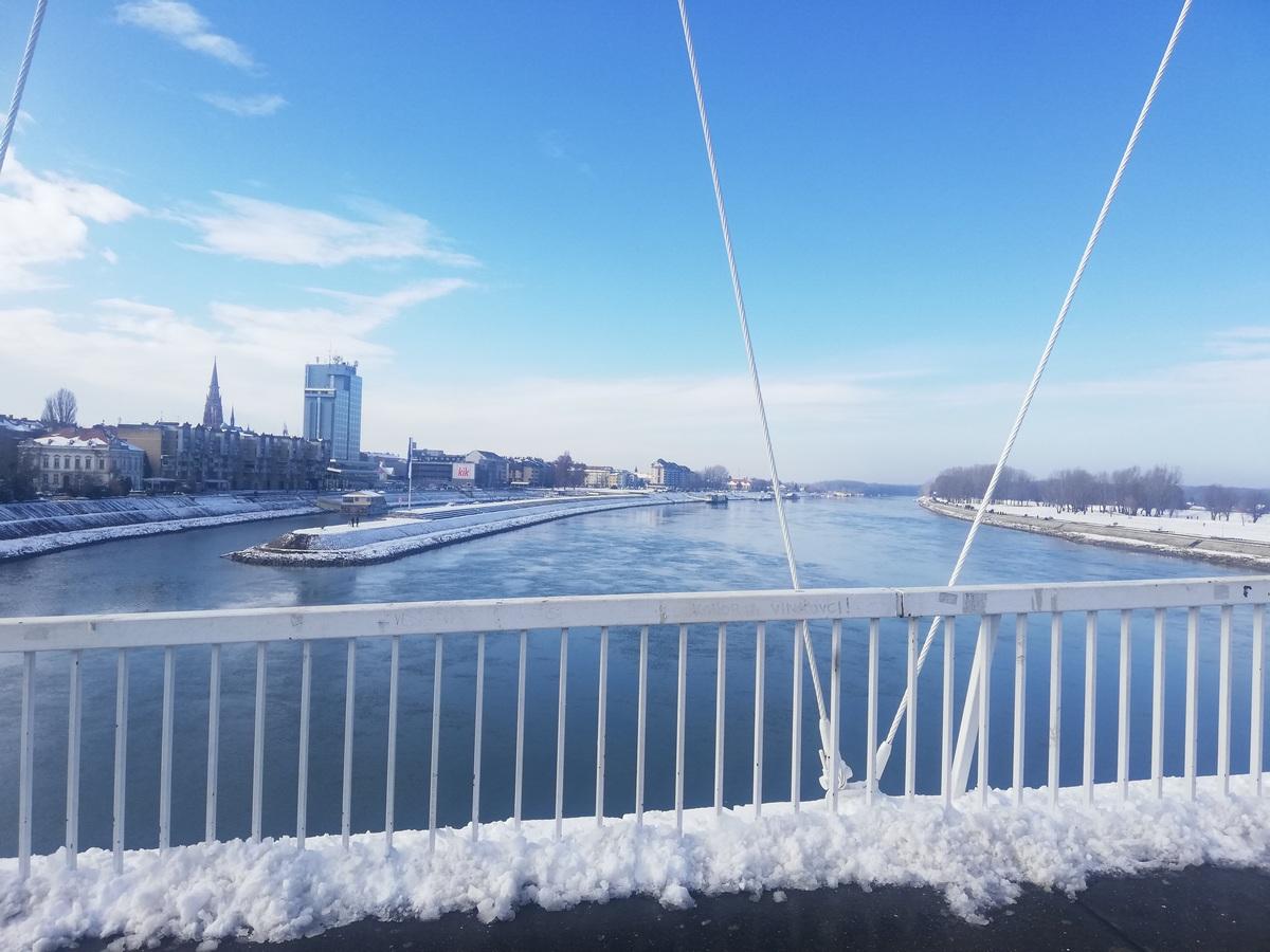 Grad na Dravi  Foto: Amalia Vidović  Ključne riječi: Zima Zimska Idila Pjesacki Most Drava