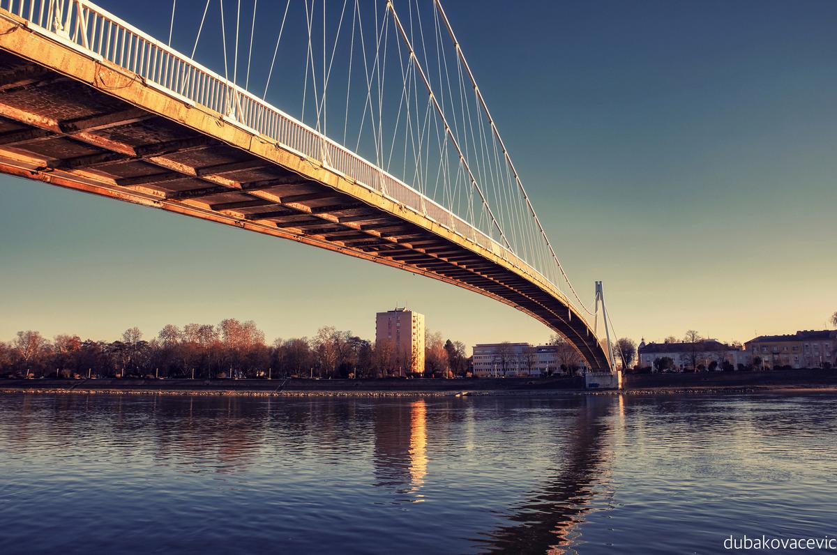 Pješački most  Foto: Dubravka Kovačević  Ključne riječi: Pjesacki most Boje Drava