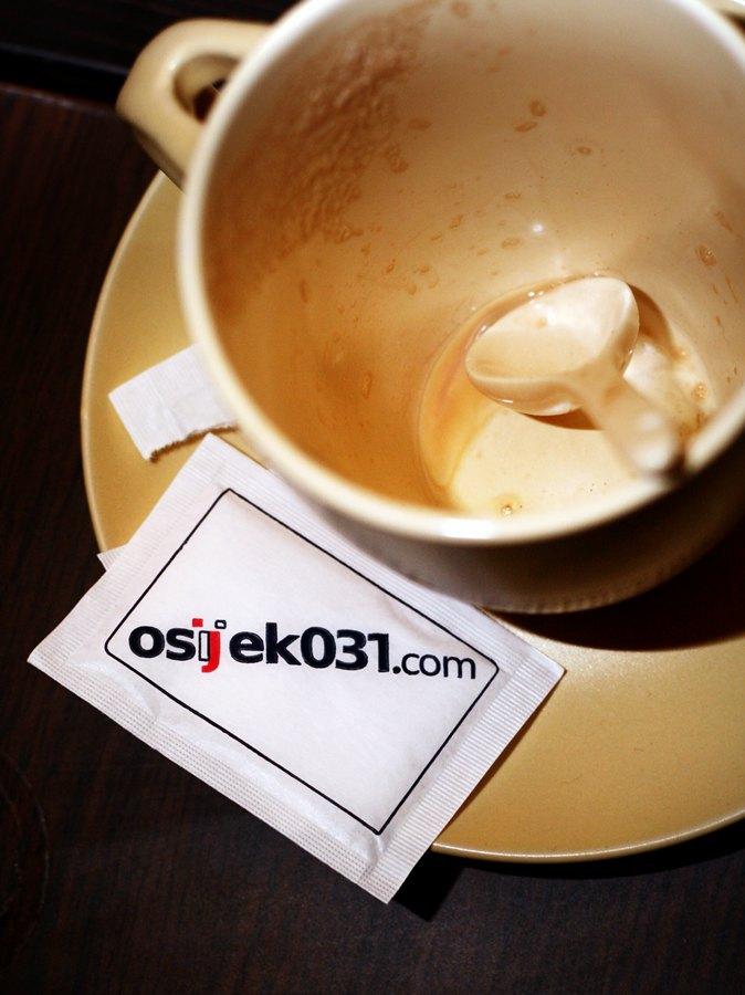Osijek uz šalicu kave  Foto: [b]Marko Milas Mrky[/b]   Ključne riječi: osijek mrky 031 pandur kava