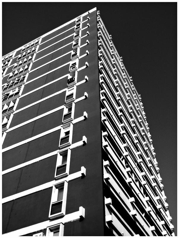 Crvena   Foto: [b]Krunoslav Nevistić[/b]  Ključne riječi: zgrada super