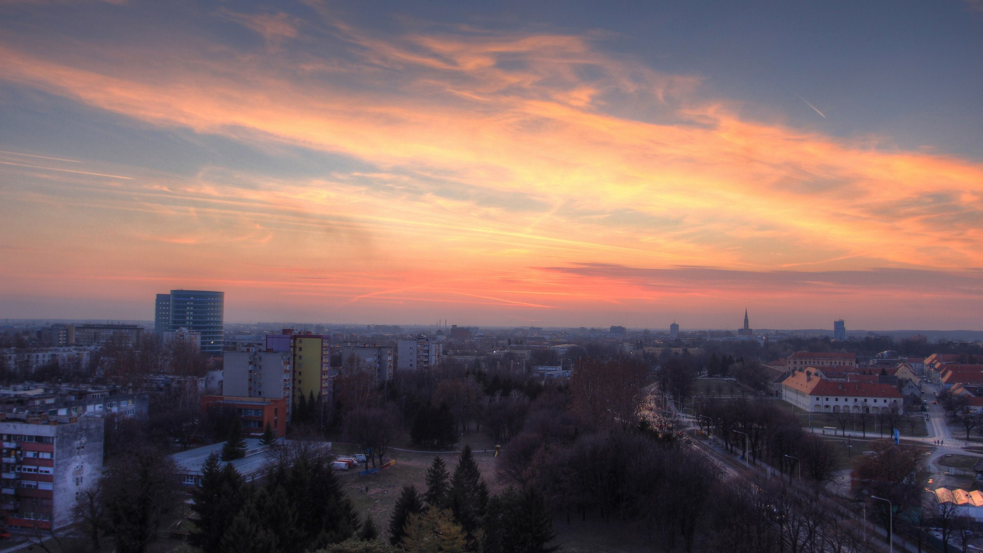Osijek panorama  Foto: Domagoj Buljan  Ključne riječi: panorama nebo