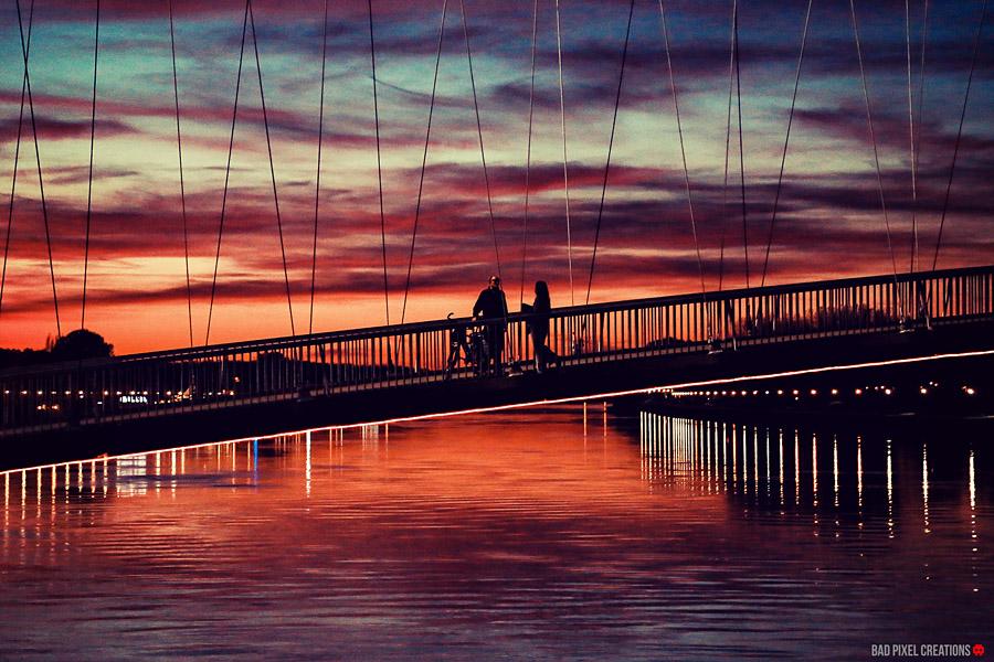 Ljubav je na mostu..  Foto: Dario Šišul  Ključne riječi: most hdr ljubav sumrak