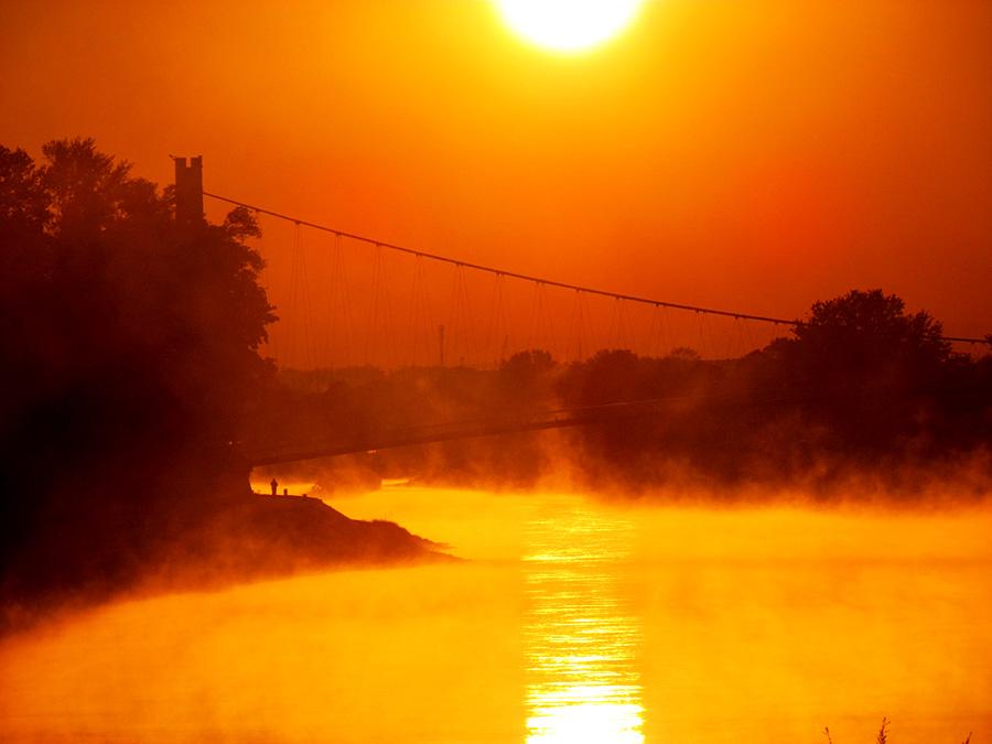 Jutro u mom gradu..  Foto: Jelena Kasabašić  Ključne riječi: jutro grad magla svitanje
