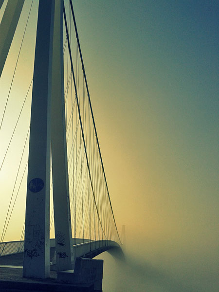 Beskonačni most  Foto: Ines Turinski  Ključne riječi: most drava baranja oblaci magla