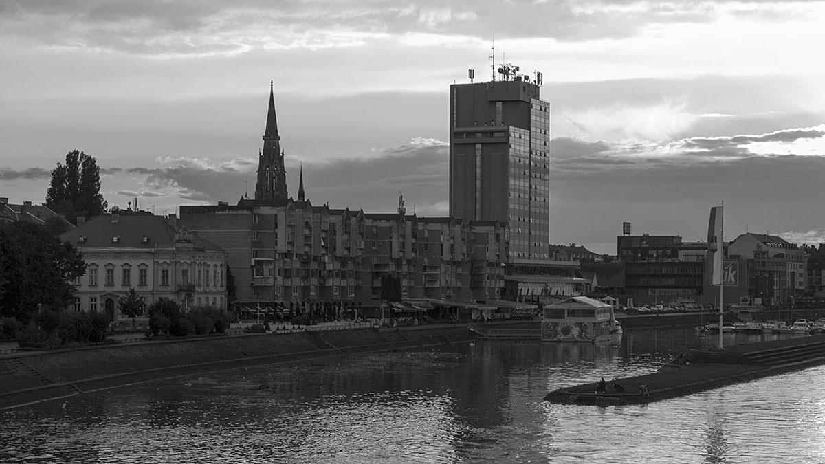 Crno-bijeli Osijek  Foto: Igor Čanak  Ključne riječi: crno bijeli grad