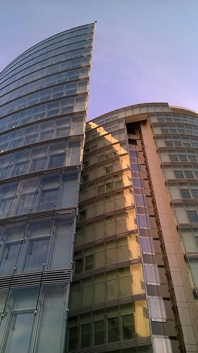 Eurodom pod suncem  Foto: Nikolina Cvitković  Ključne riječi: eurodom sunce suncano