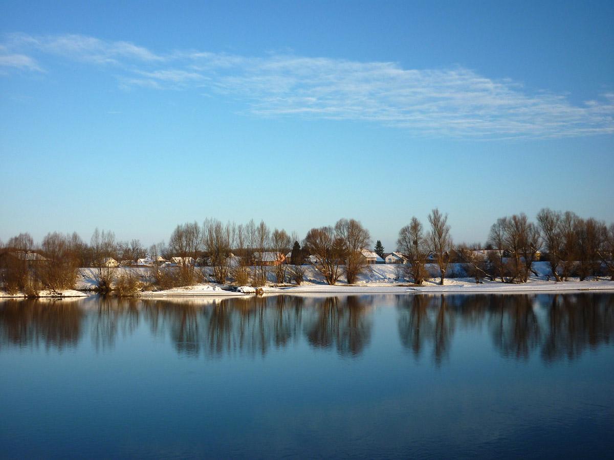 Obala pod snijegom  Foto: Jakov Matković  Ključne riječi: obala drava snijeg nebo vedro