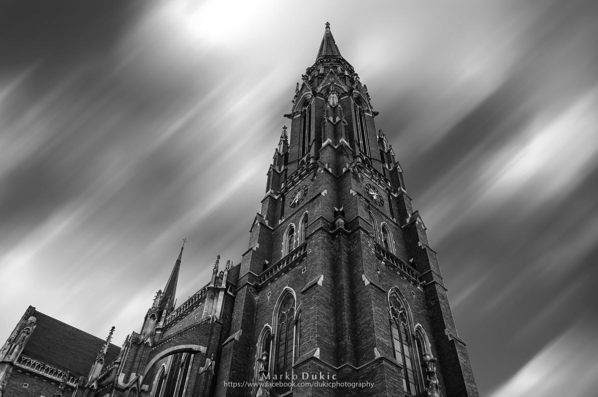 Konkatedrala u sivom  Foto: Marko Dukić  Ključne riječi: konkatedrala katedrala sivo c&b cb crno bijelo
