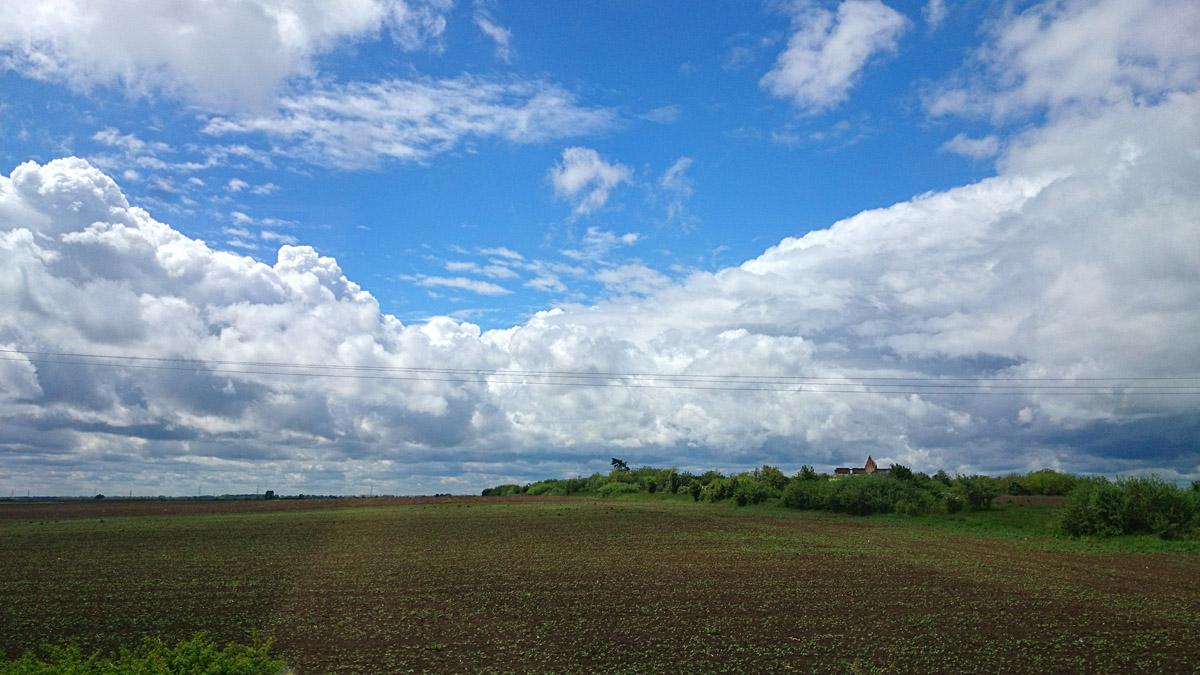 Nebo kod Brijesta  Foto: Ena Hel  Ključne riječi: nebo brijest oblaci