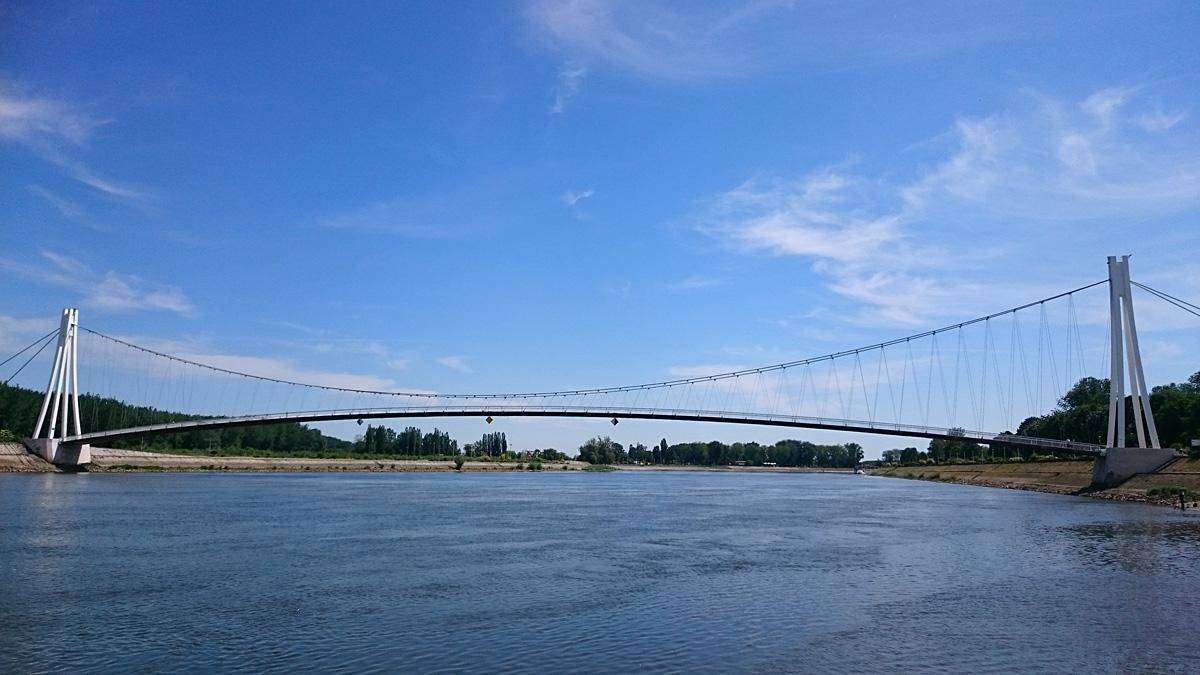Most pod nebom  Foto: Barbara Petrijevčanin  Ključne riječi: most nebo drava