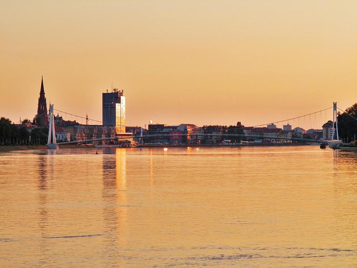 Poznat prizor  Foto: Brigita Plander  Ključne riječi: drava zuto skyline grada
