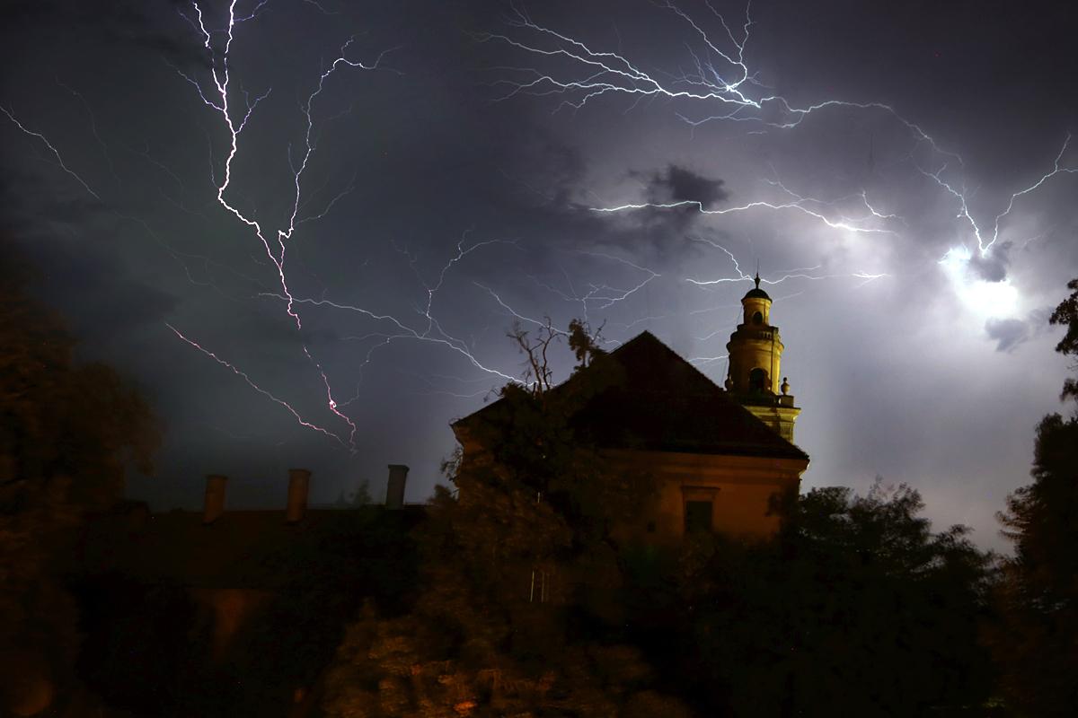Bljesak  Foto: Borna Matijanić  Ključne riječi: bljesak munja grom oluja