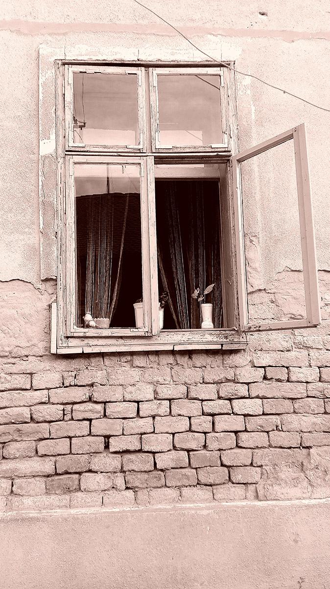 Prozor  Foto: Maja Petričević  Ključne riječi: prozor sepia