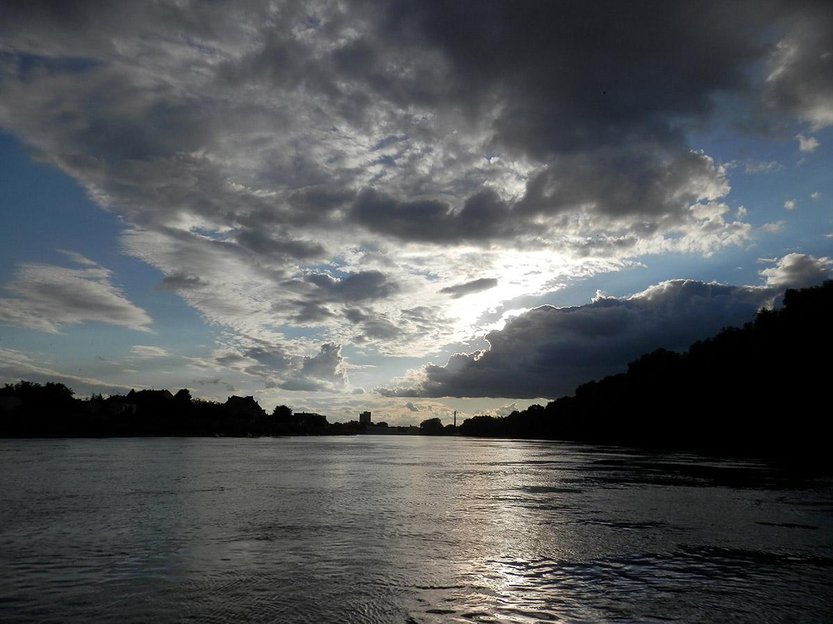 Oblaci  Foto: Sanja Fuis  Ključne riječi: oblaci drava