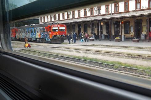 Nocni Vlak Osijek Zagreb Mijenja Se Motornim Vlakom Podravka Ostaje Poslovni Vlak